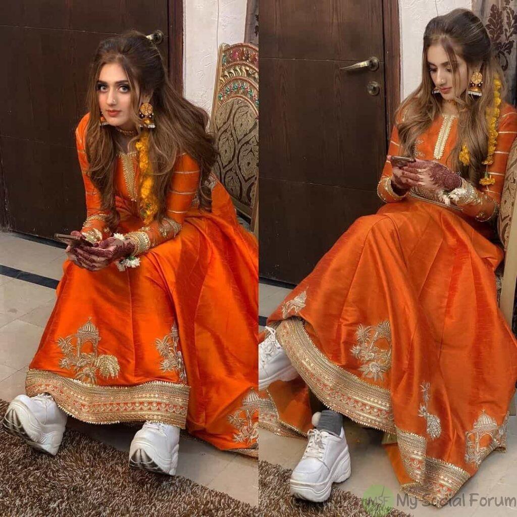 Jannat Mirza Tiktoker wearing shoes