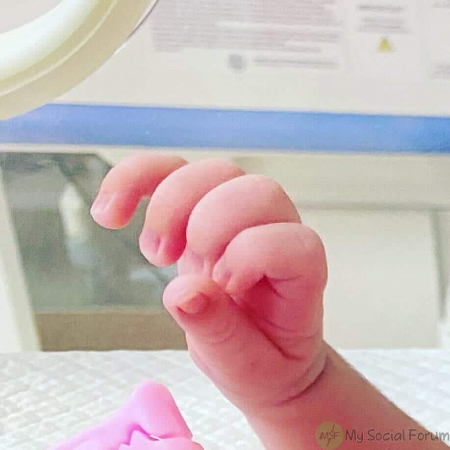 iqra aziz yasir hussain baby boy