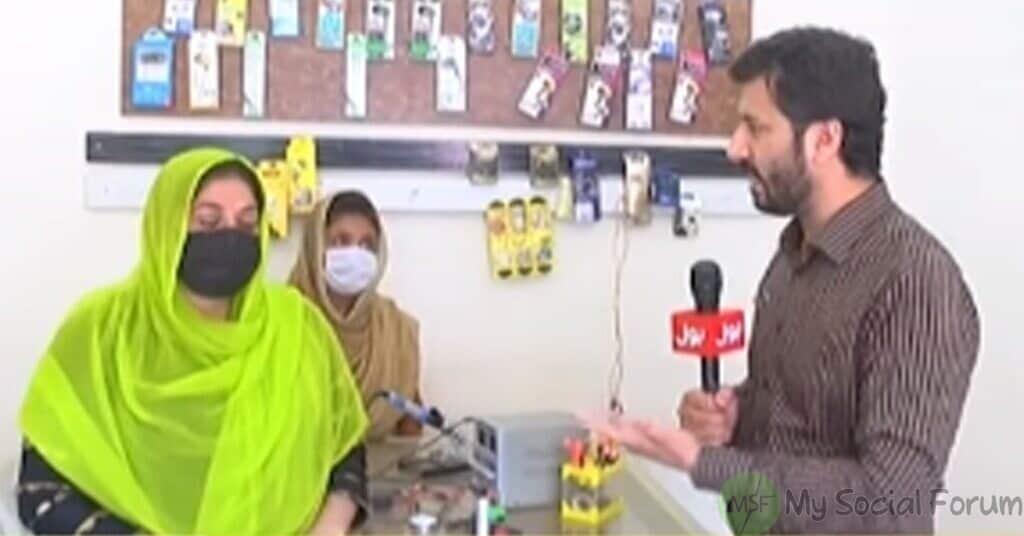پاکستان کی پہلی موبائل ریپیرنگ کرنے والی خاتون عاصمہ